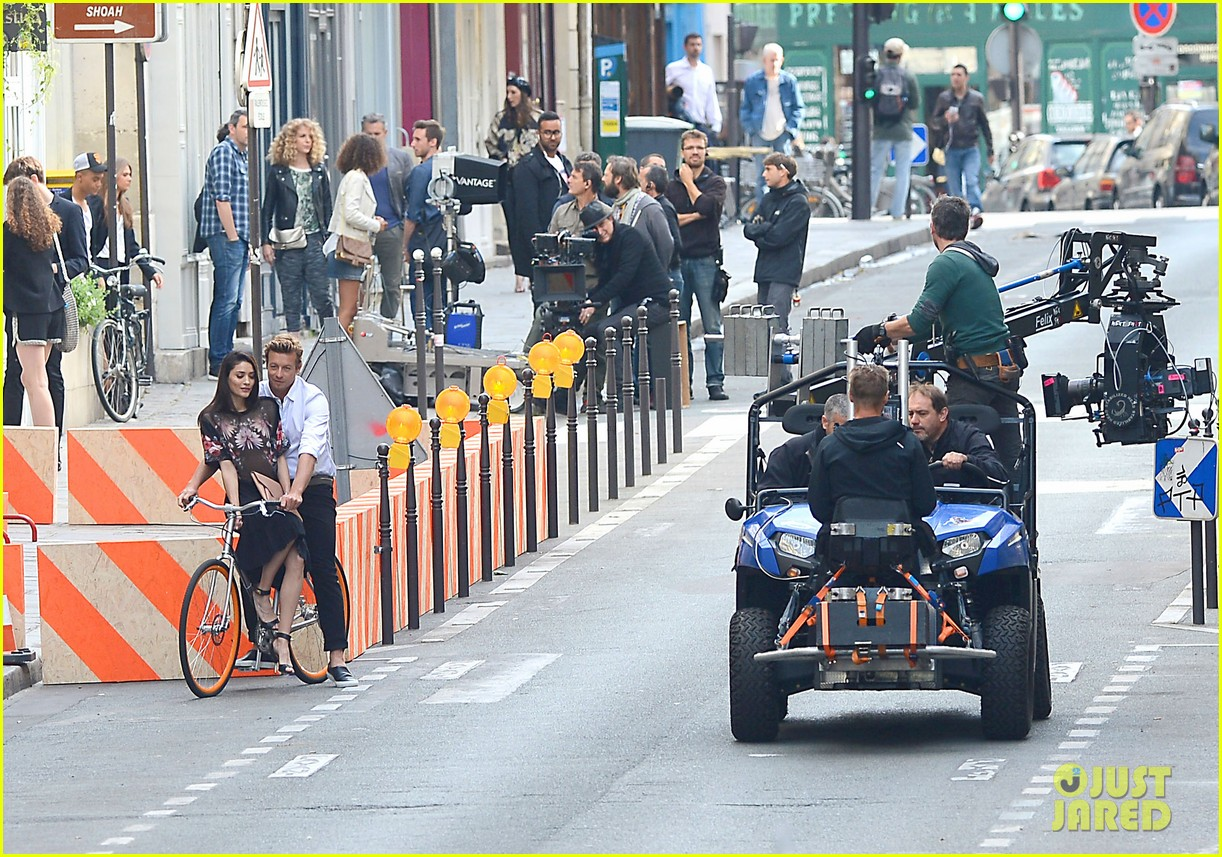simon baker picks up a lady on his bike for givenchy commercial 07