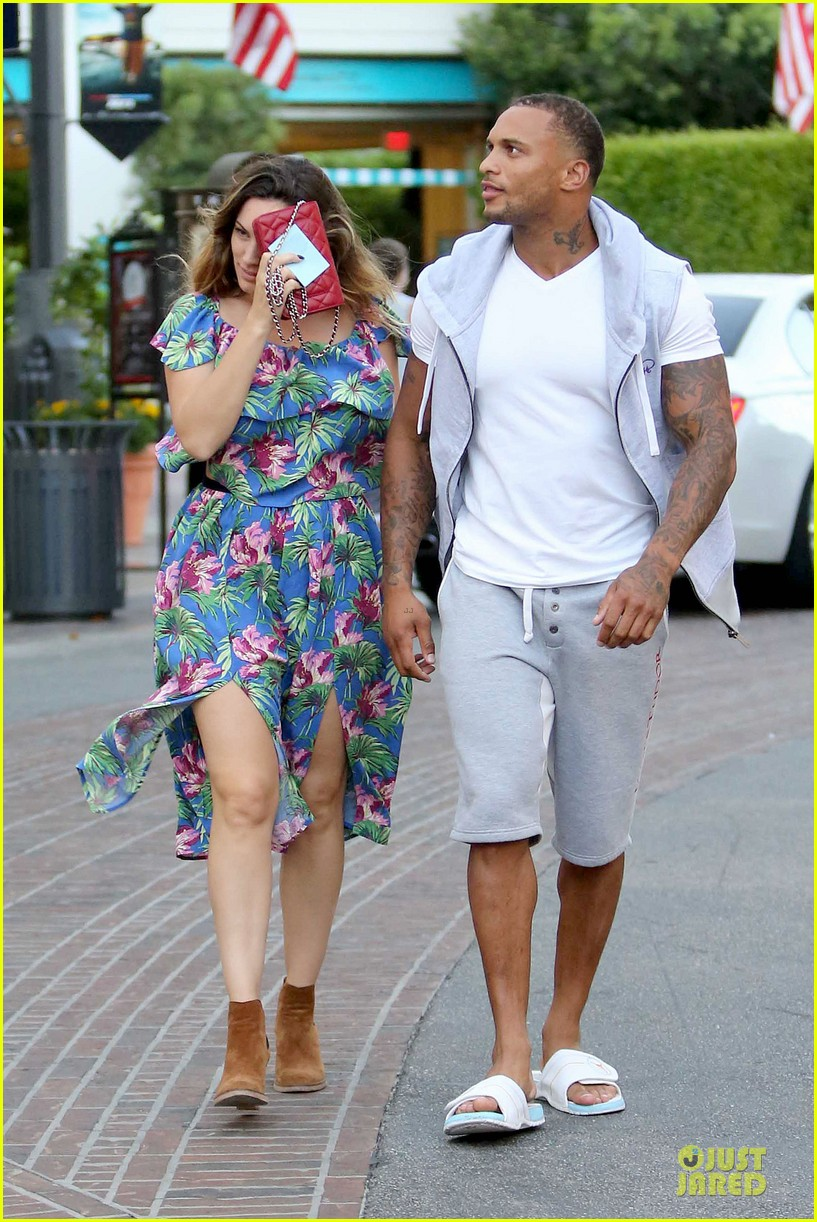 kelly brook fiance david mcintosh isnt after one night stands 09