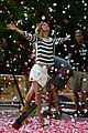 gisele bundchen showered with rose petals 05