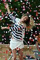 gisele bundchen showered with rose petals 17