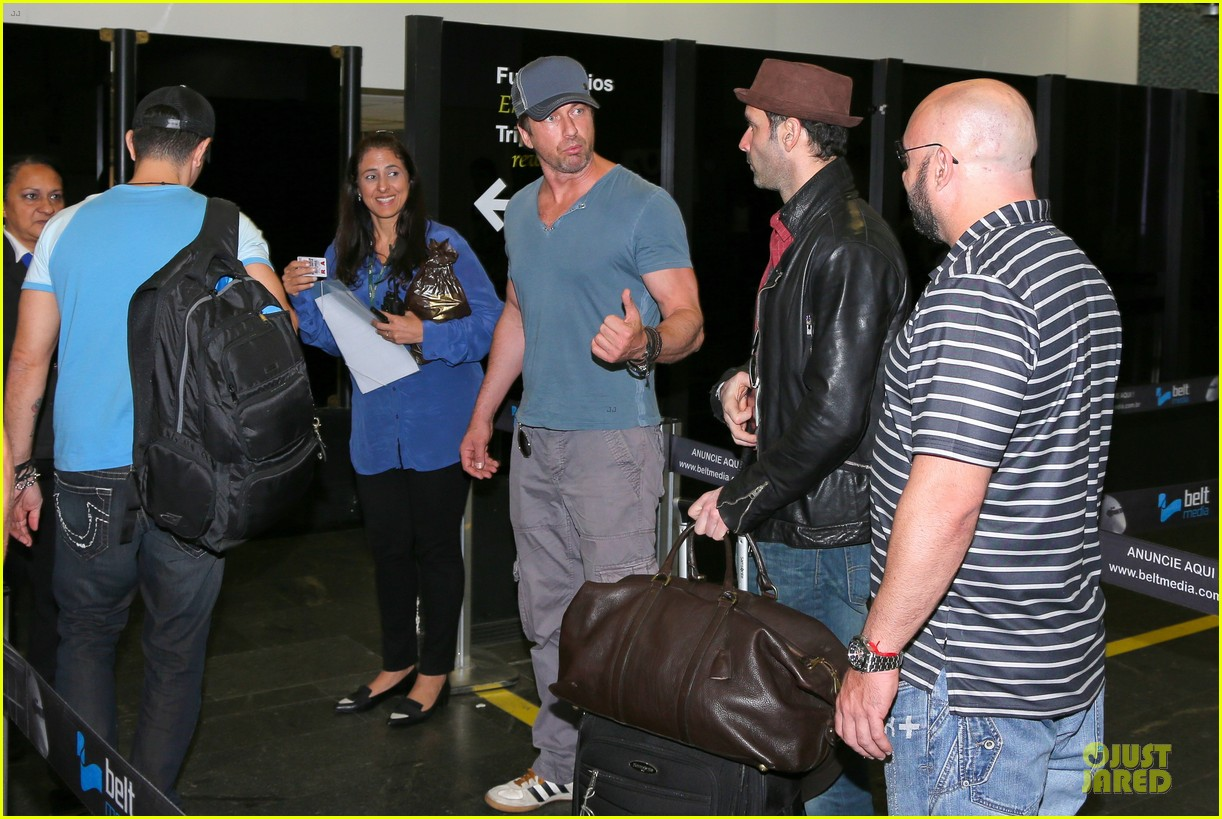 gerard butler jet to belo horizonte for fifa world cup 13