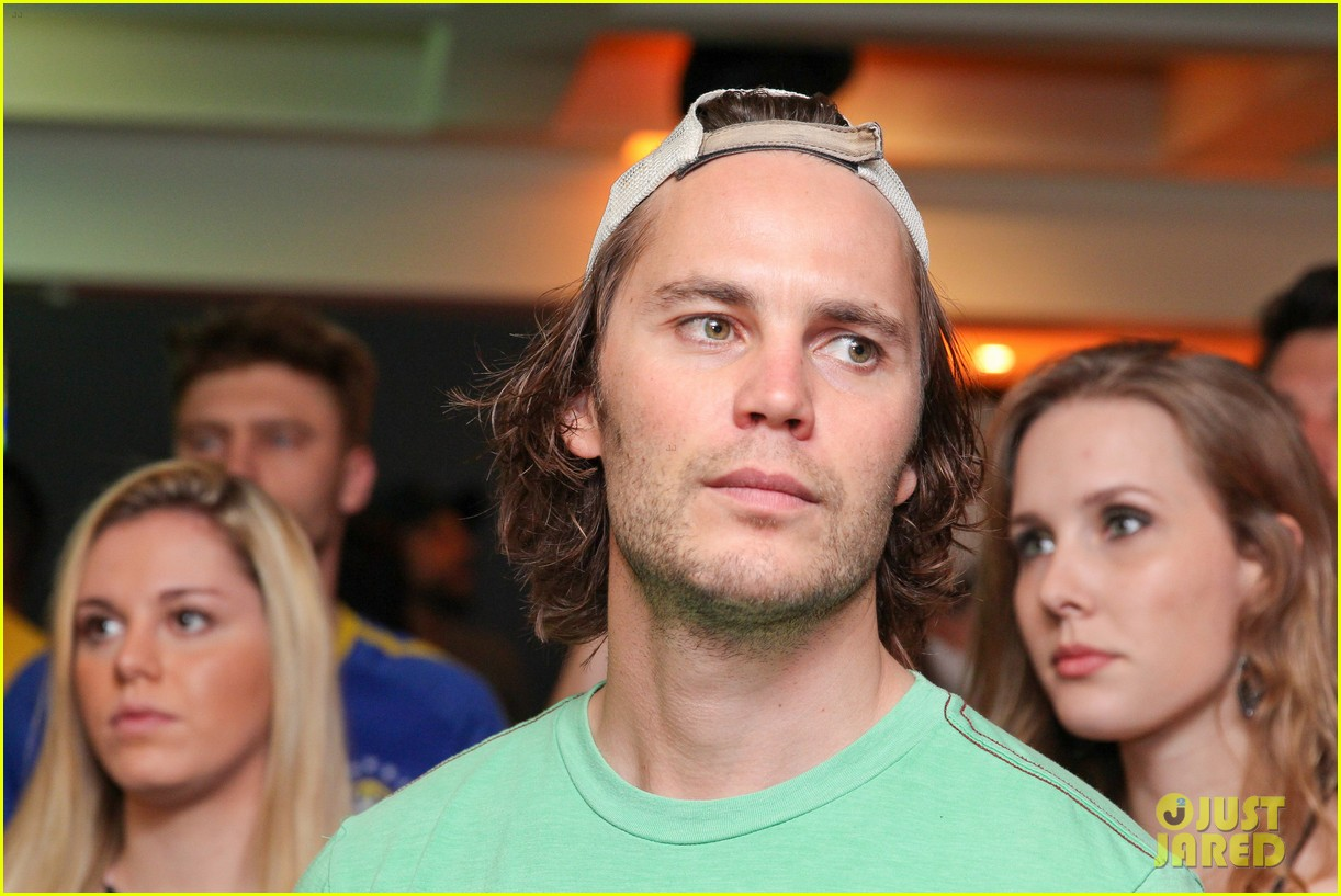 gerard butler taylor kitsch watch brazils massive defeat against germany 11