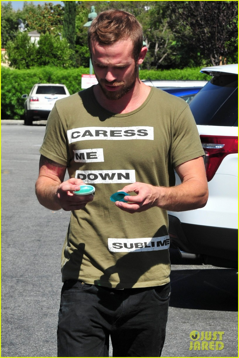 cam gigandet steps out after making controversial comments about oc 07