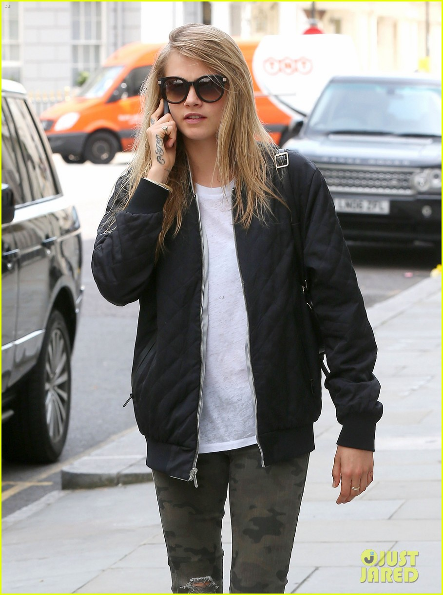 cara delevingne sexuality having good time 043148657