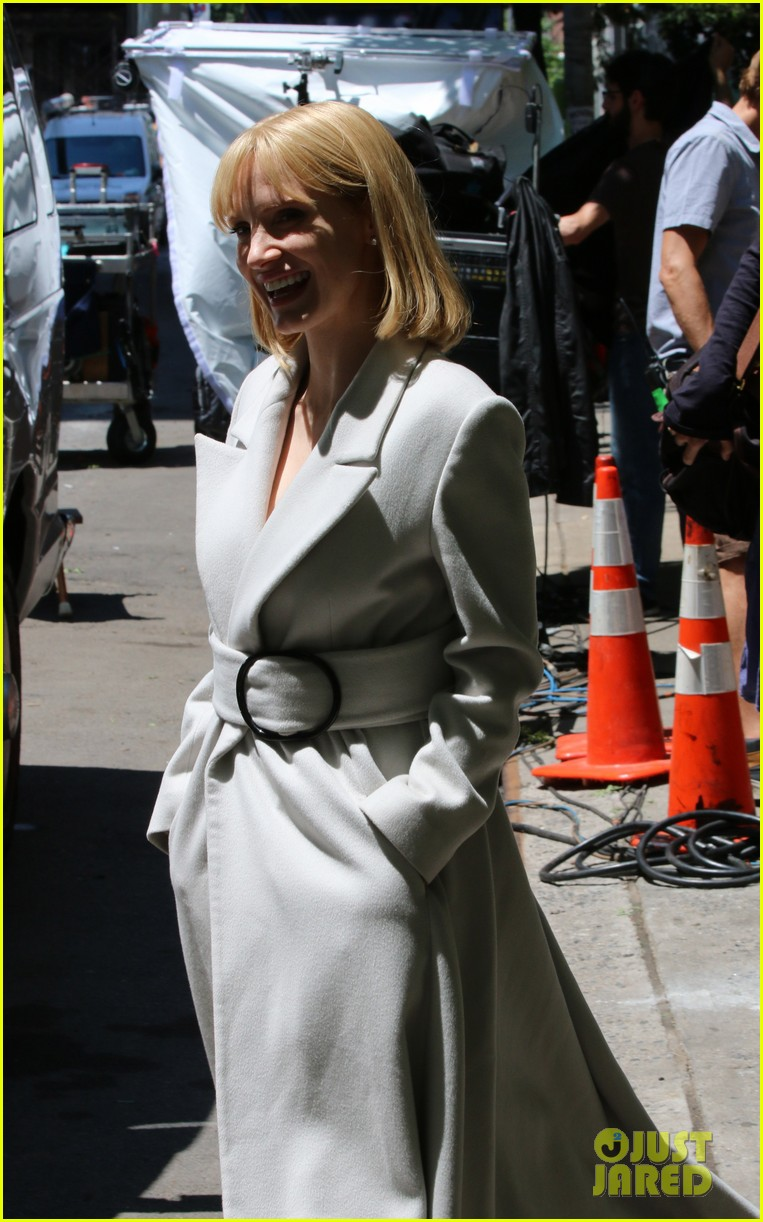 jessica chastain gets into character for a most violent year 12