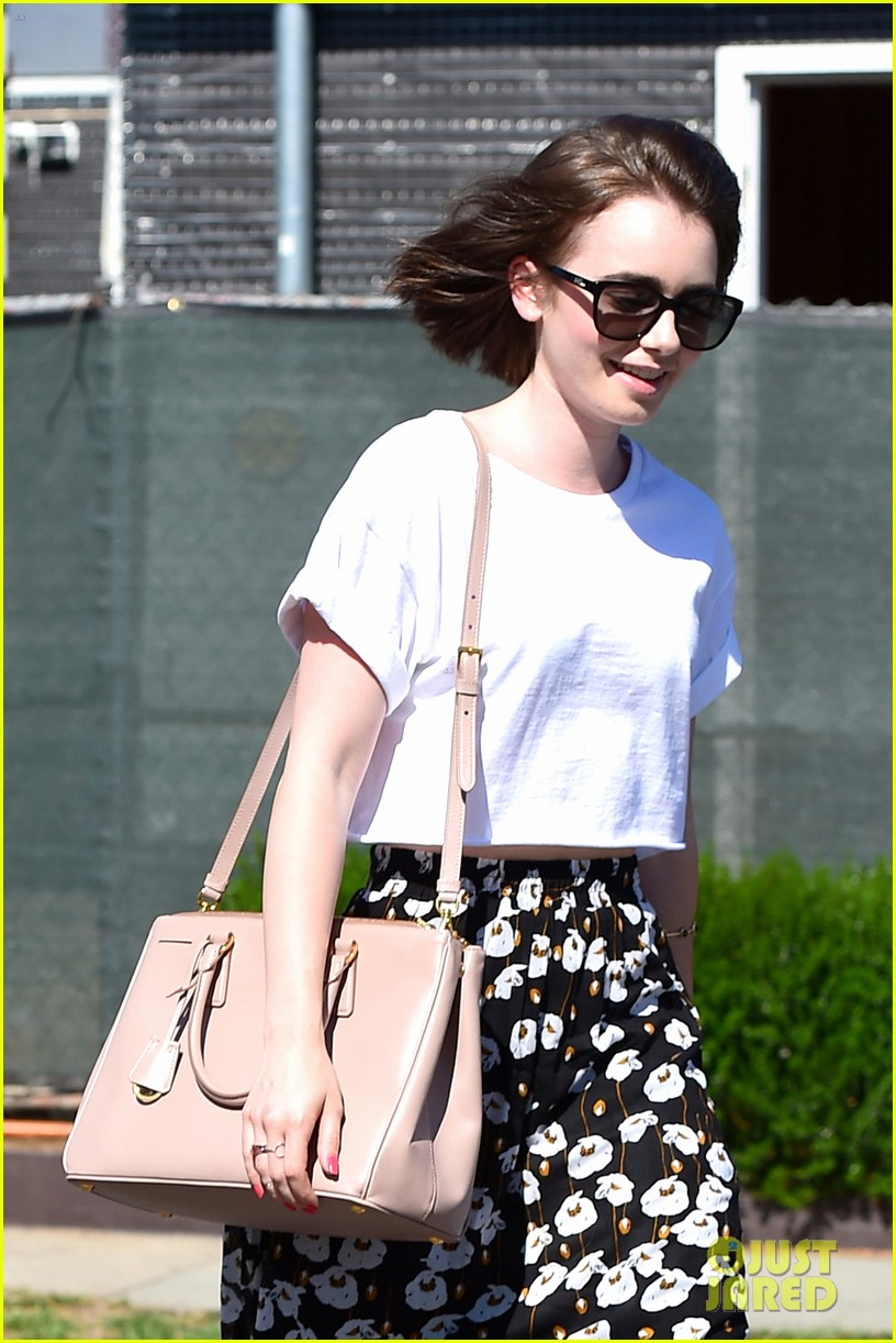 lily collins salon stop before holiday 053149239