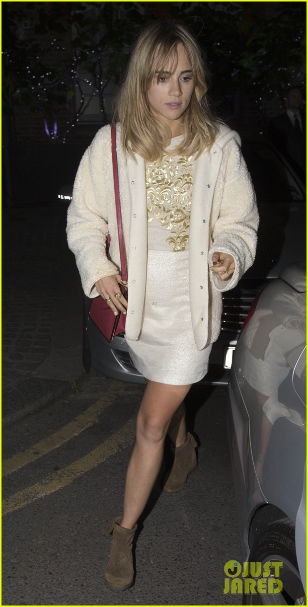 bradley cooper suki waterhouse dine with friends in london 05