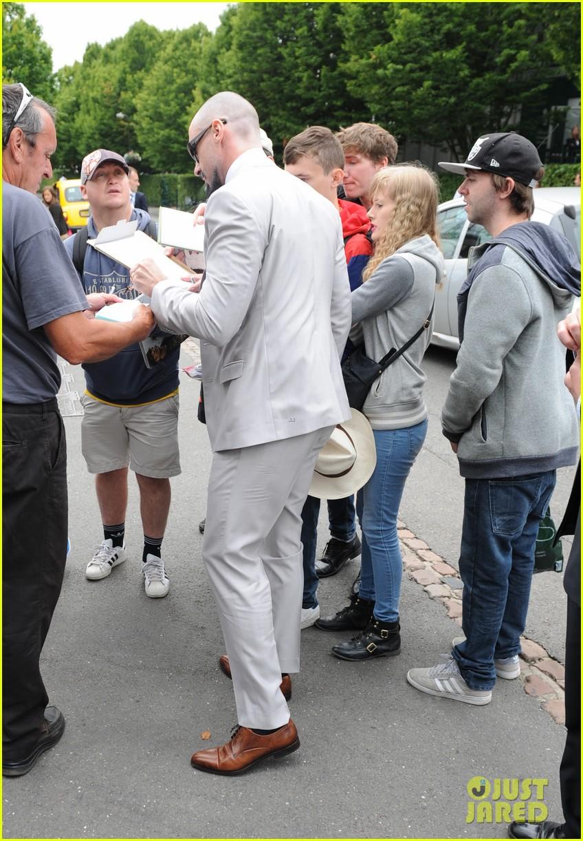 bradley cooper hugh jackman wimbledon mens finals 113150572