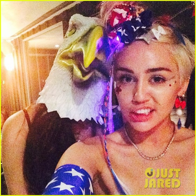 miley cyrus fourth of july instagram 093149920