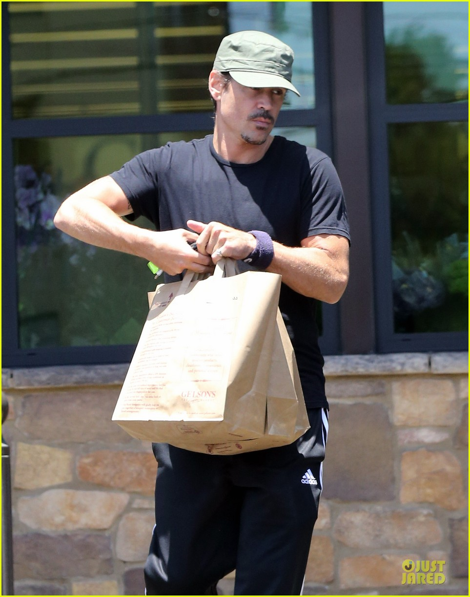 colin farrell loving brother to sis claudine 103152805