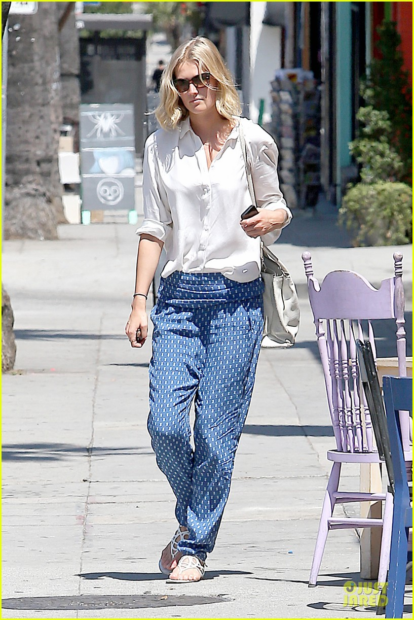 toni garrn looks chic after 22nd birthday 083152745
