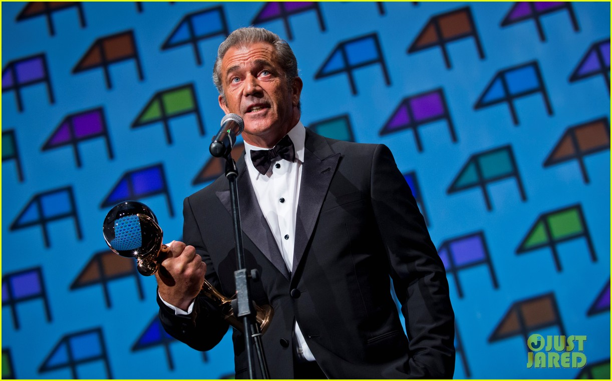 mel gibson crystal globe karlovy vary international film festival 073150217