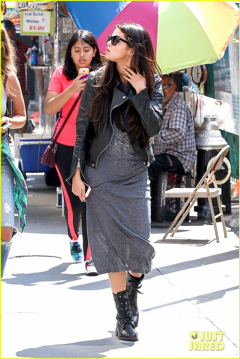 selena gomez chipolte lunch nyc 103153142
