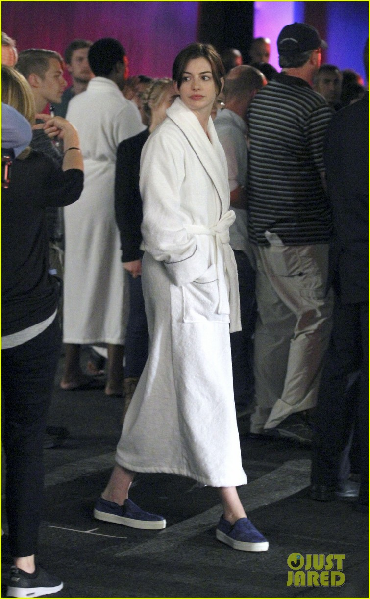 anne hathaway walks the streets of new york in a bathrobe 04