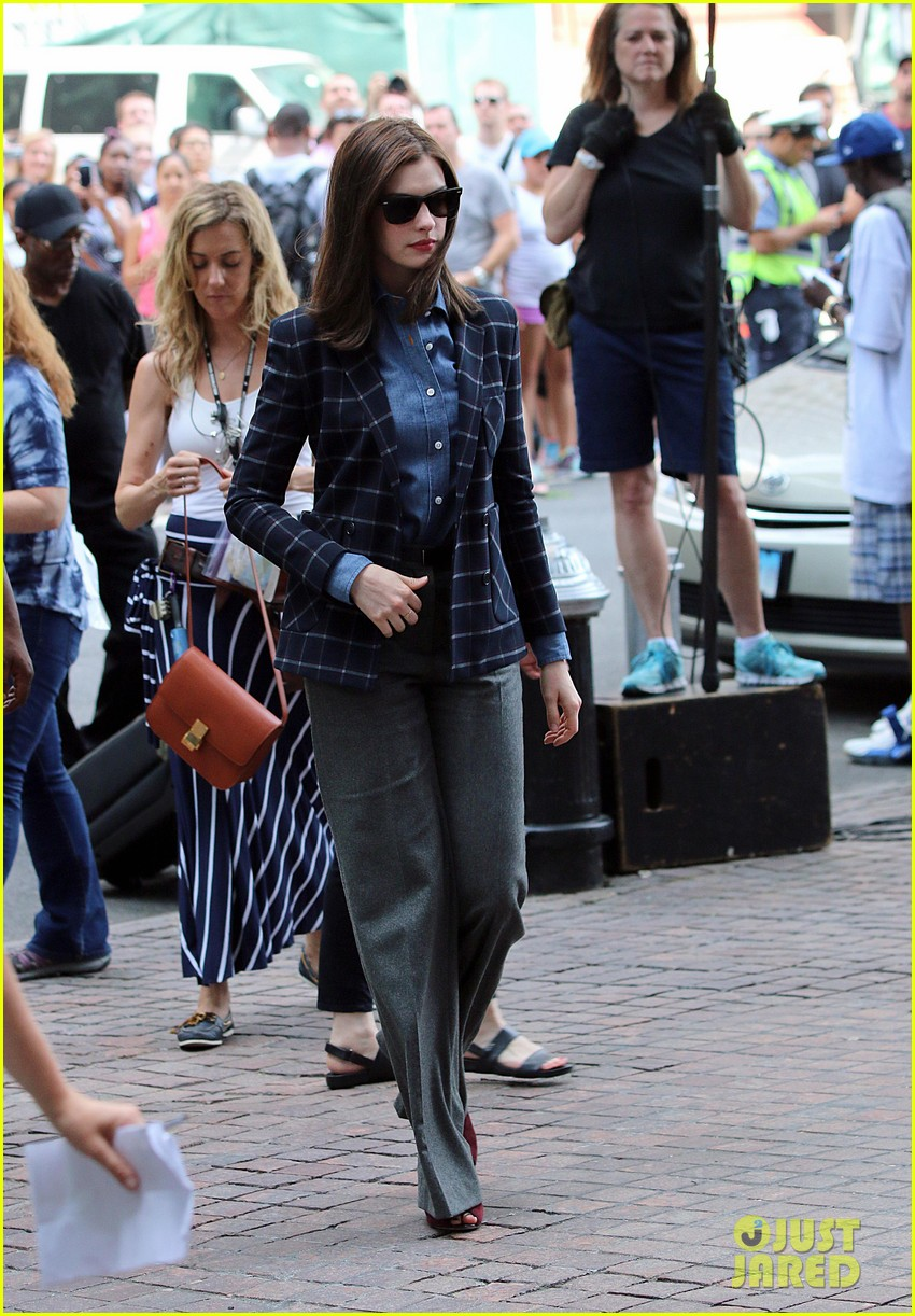 anne hathaway walks the streets of new york in a bathrobe 08