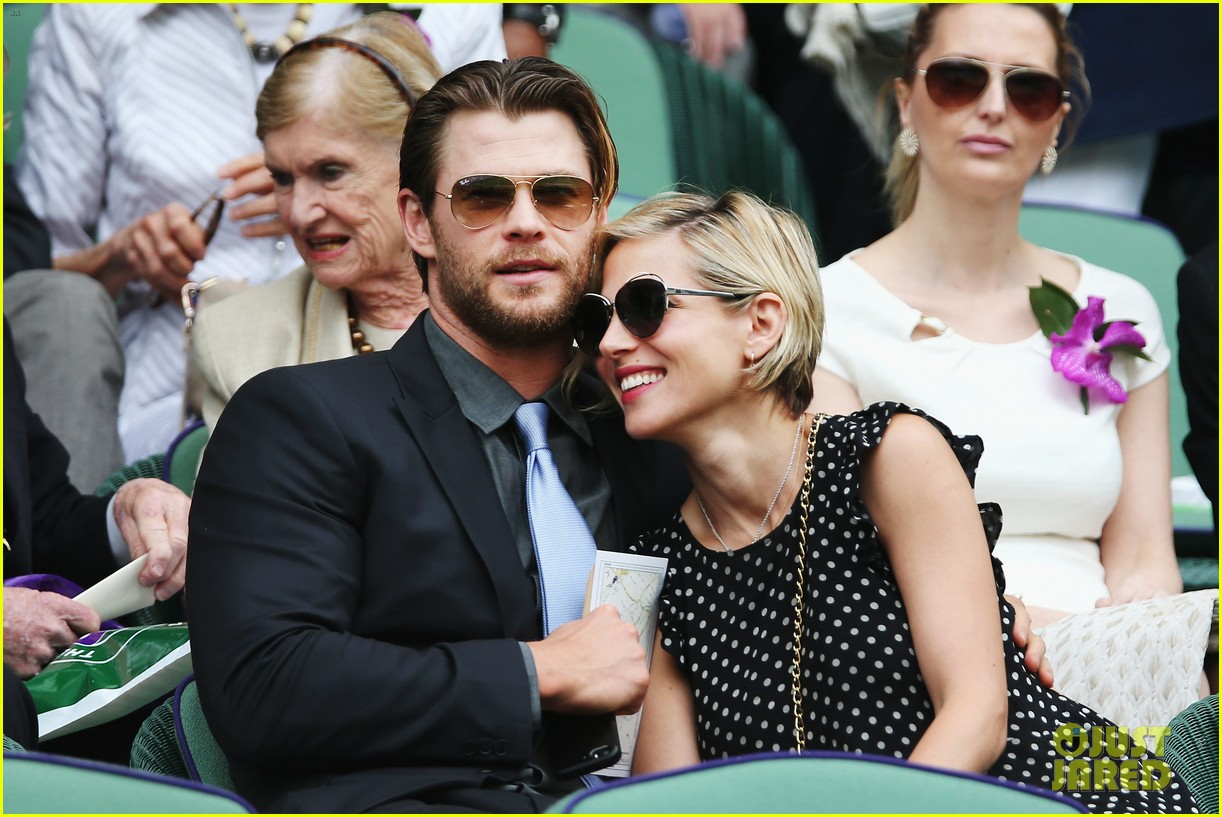 chris hemsworth elsa pataky wimbledon 01