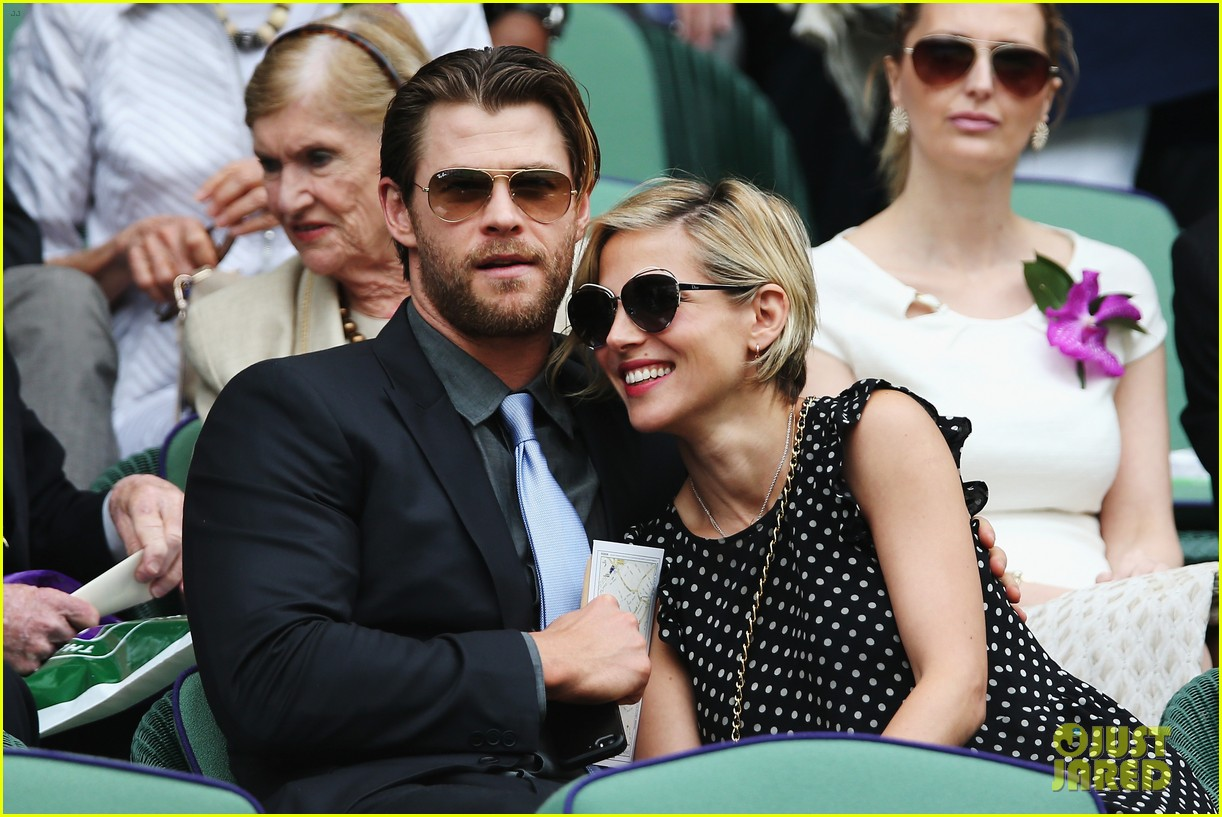 chris hemsworth elsa pataky wimbledon 04