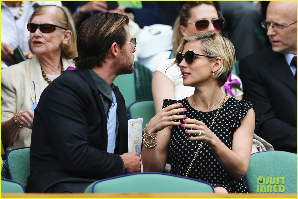 chris hemsworth elsa pataky wimbledon 063150361