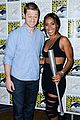 jada pinkett smith scares ben mckenzie at comic con 02