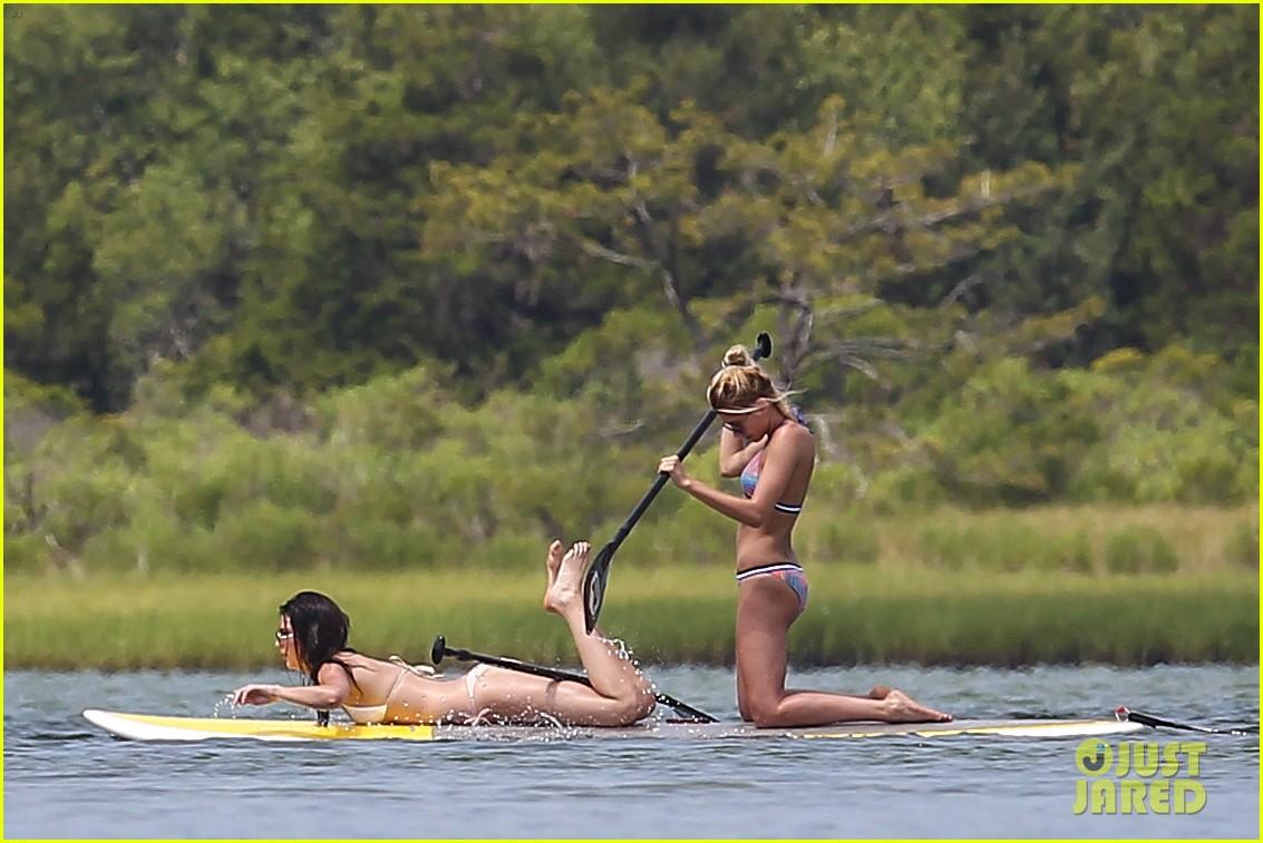 kendall jenner hailey baldwin paddleboarding bikini 07