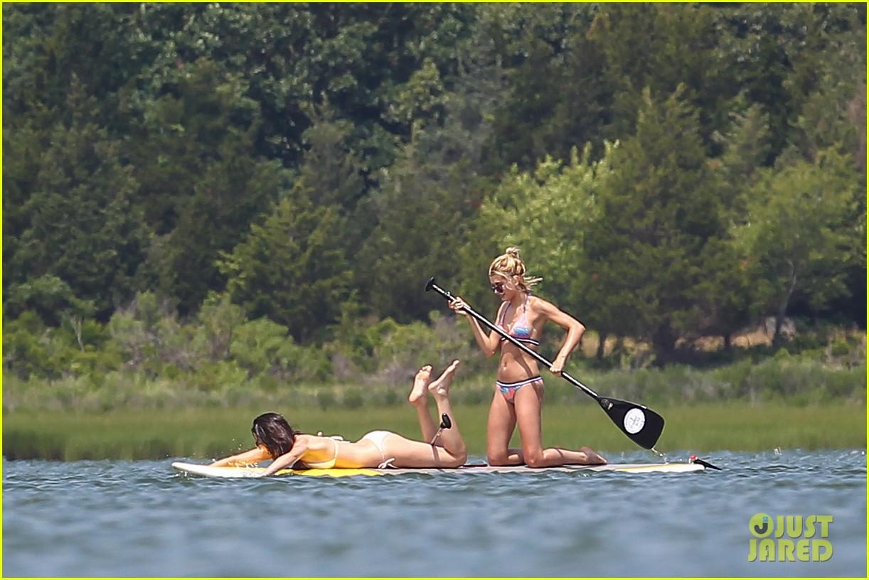 kendall jenner hailey baldwin paddleboarding bikini 20
