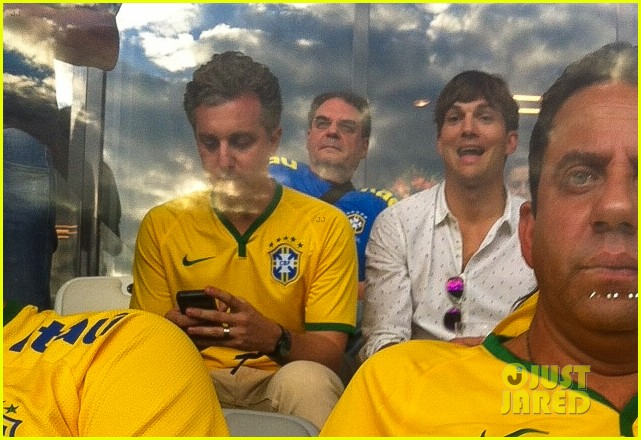 ashton kutcher happy to be world cup semifinals 15