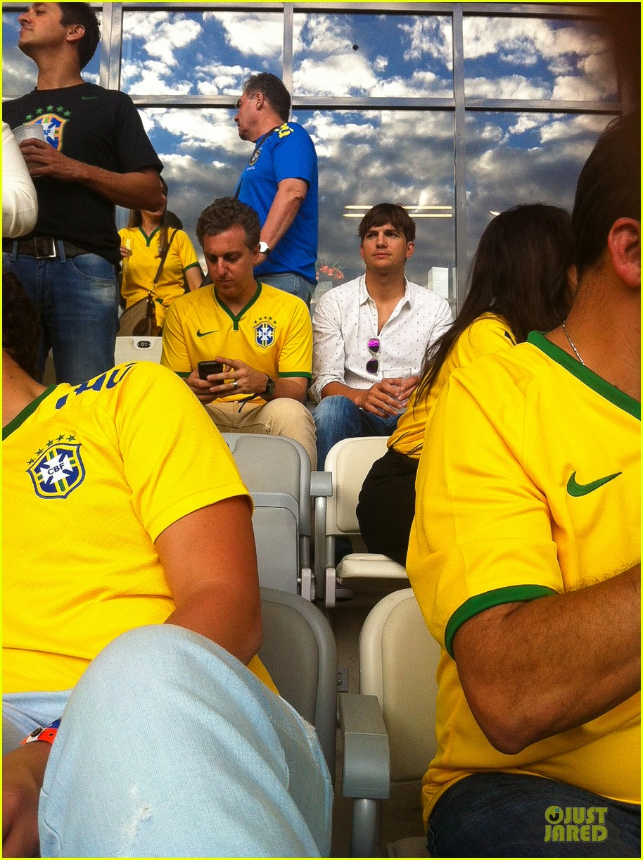 ashton kutcher happy to be world cup semifinals 203151836