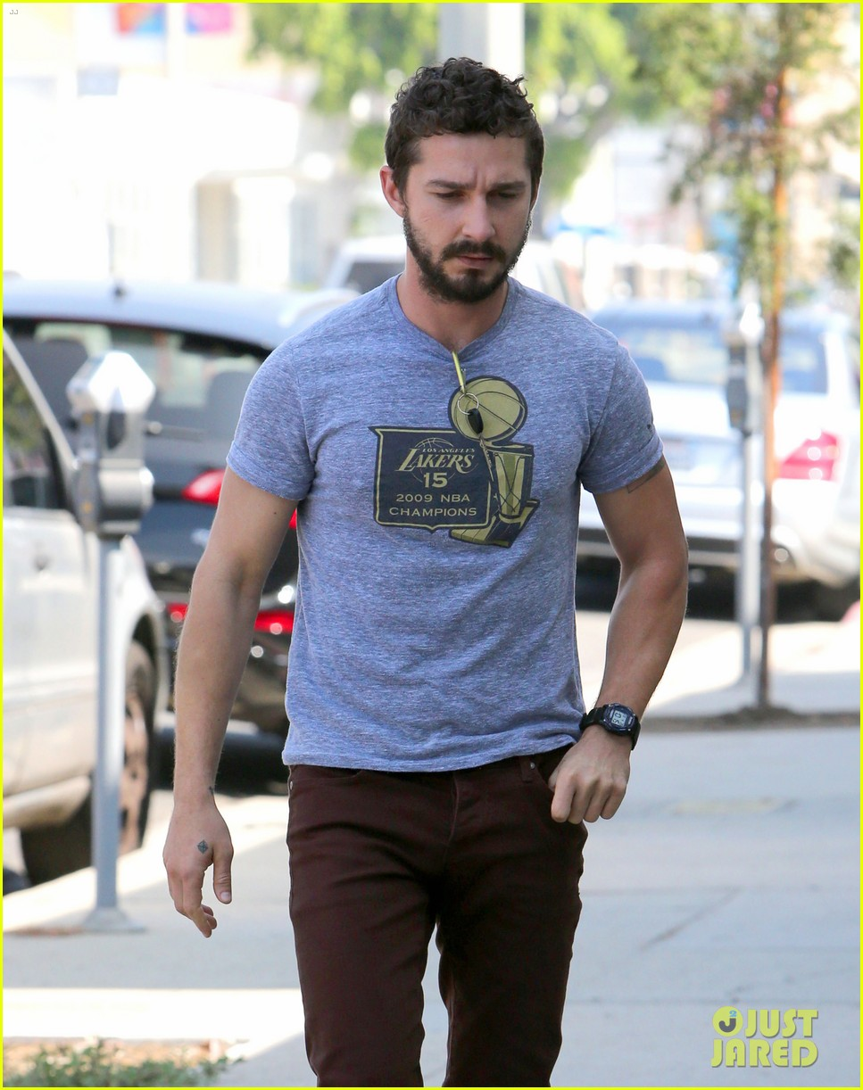 shia labeouf fourth of july working on himself 043149528
