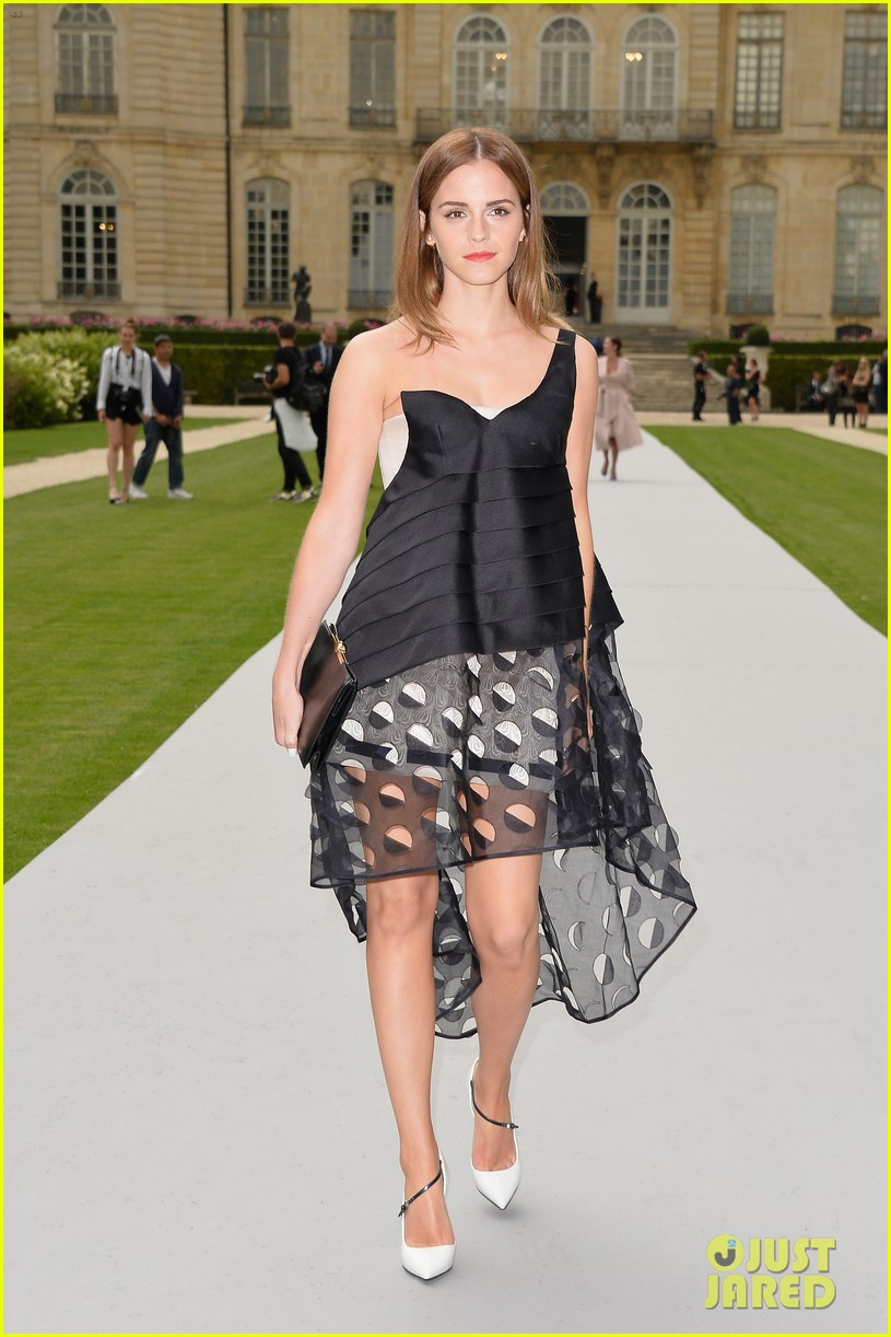 jennifer lawrence emma watson christian dior fashion show 05