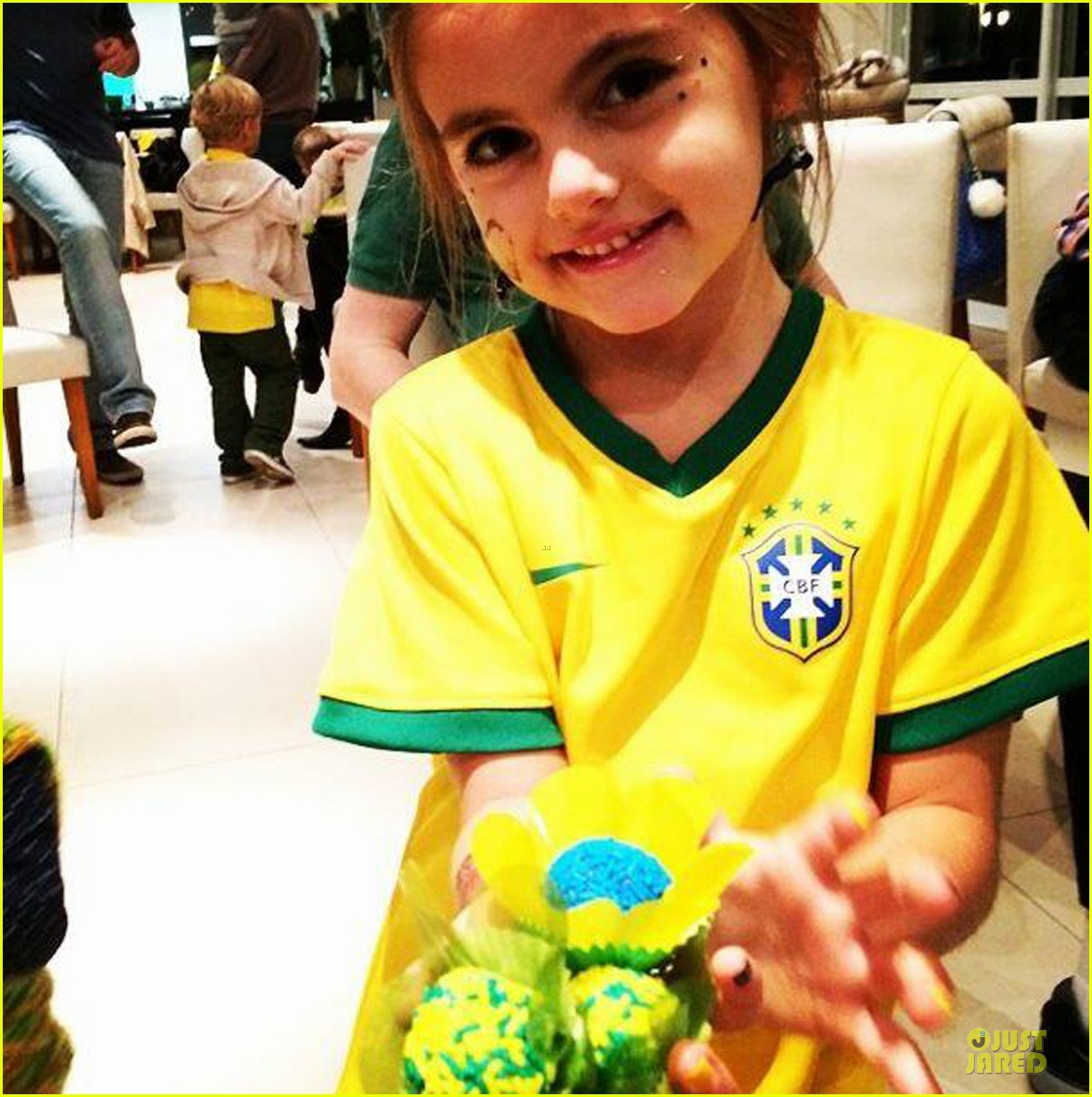 adriana lima alessandra ambrosio support brazil in world cup defeat 05