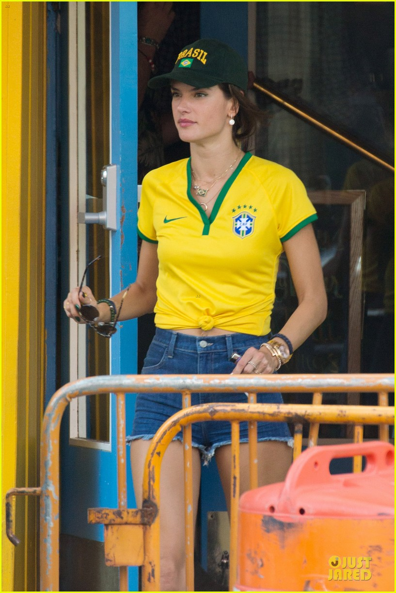 adriana lima alessandra ambrosio support brazil in world cup defeat 09