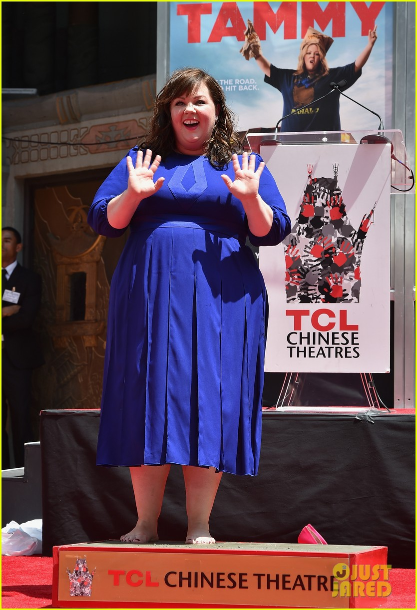 melissa mccarthy hand footprint ceremony 06