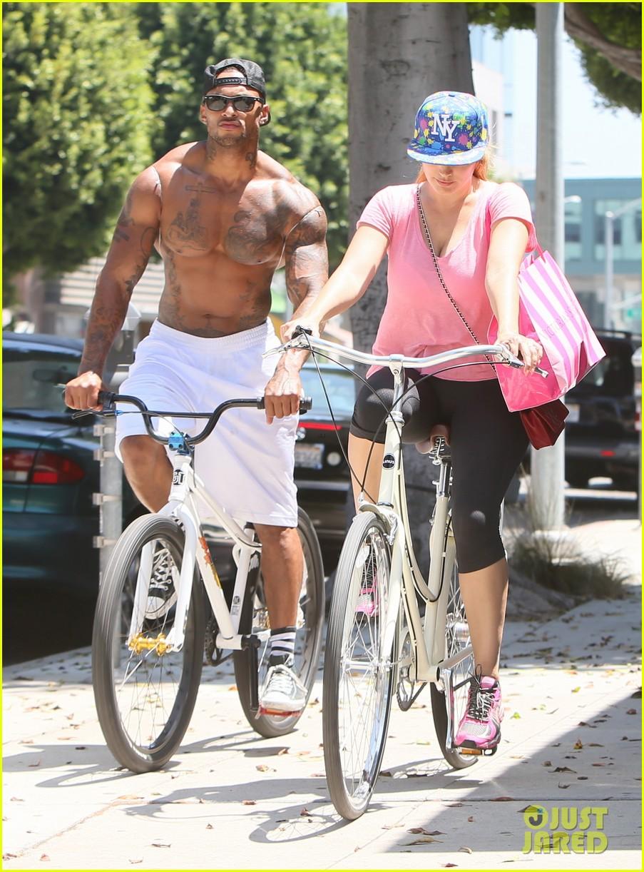 kelly brook fiance david mcintosh should always go shirtless 26