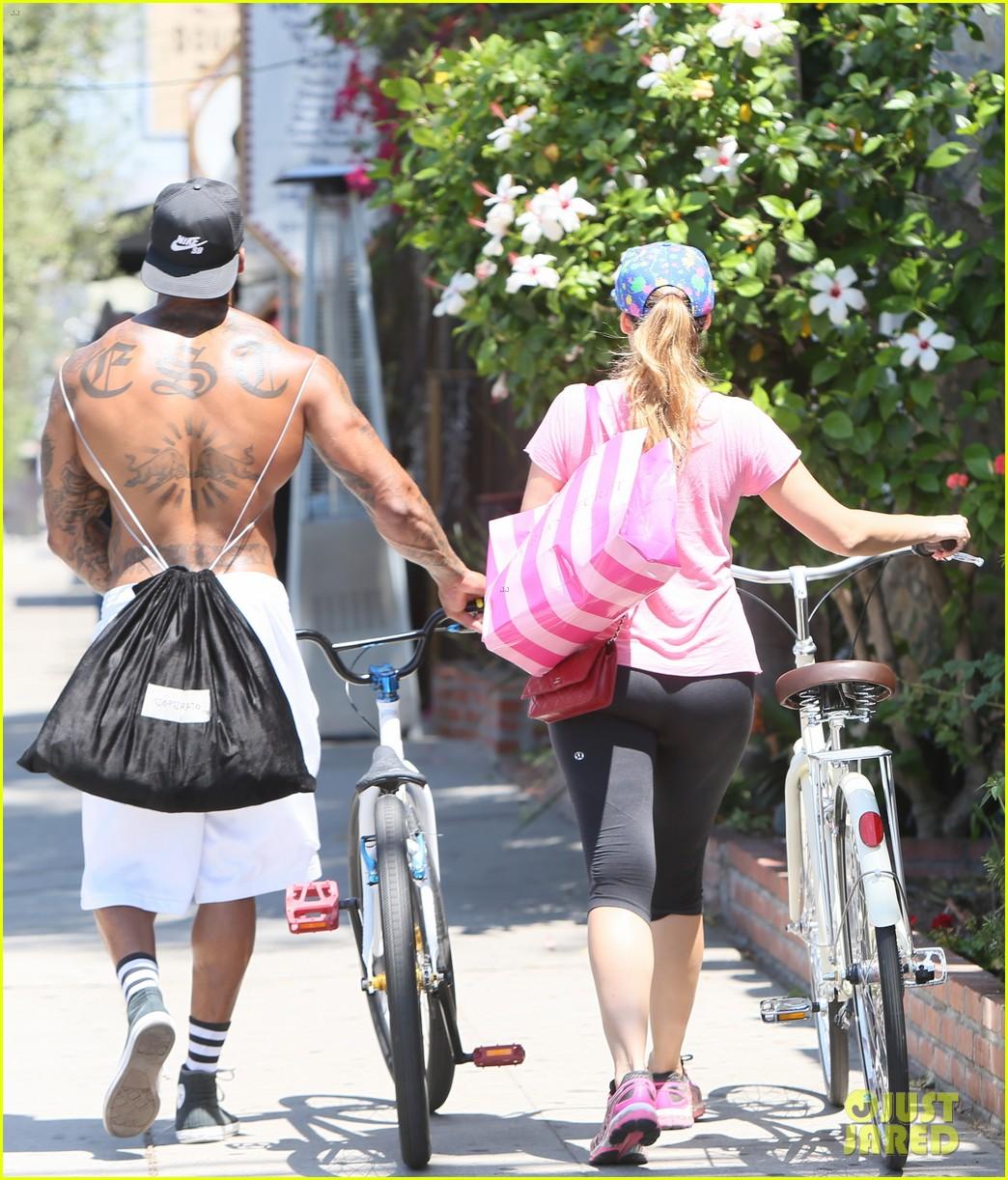kelly brook fiance david mcintosh should always go shirtless 30