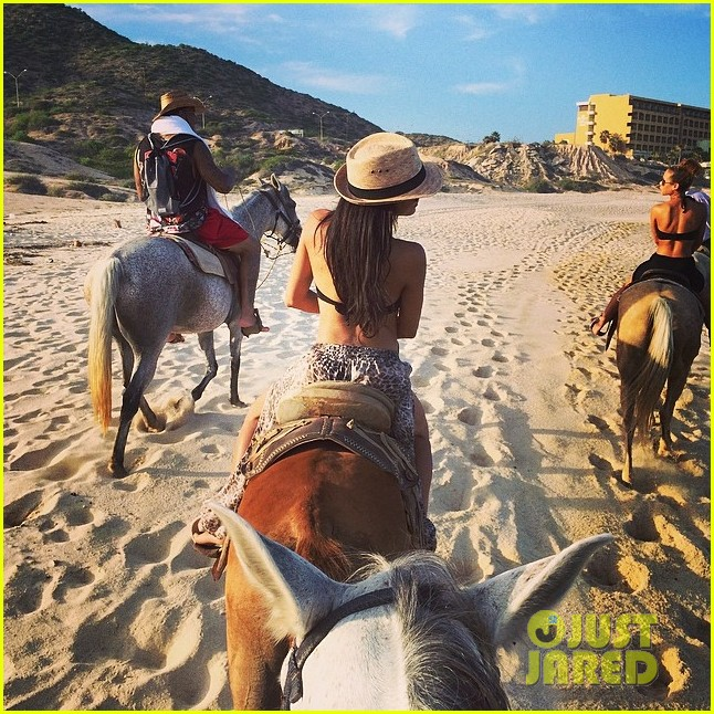 naya rivera new husband ryan dorsey vacation after their secret wedding 05