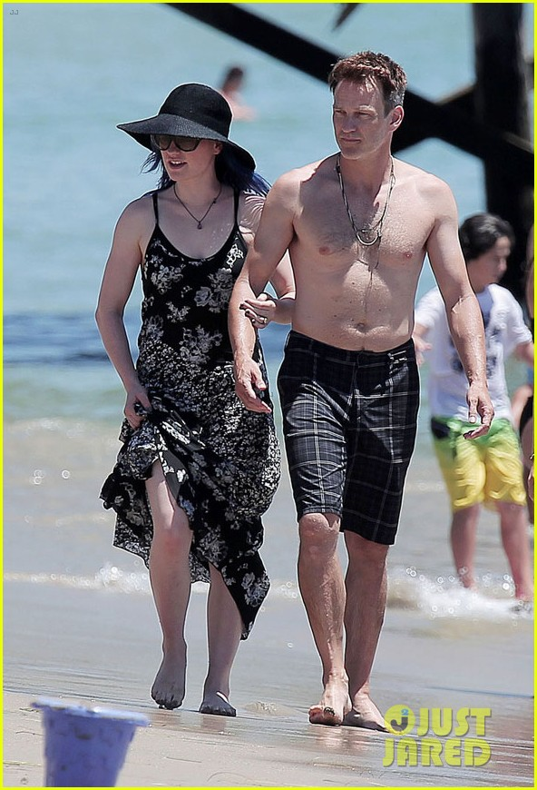 anna paquin 32nd birthday shirtless hubby stephen moyer 053163316