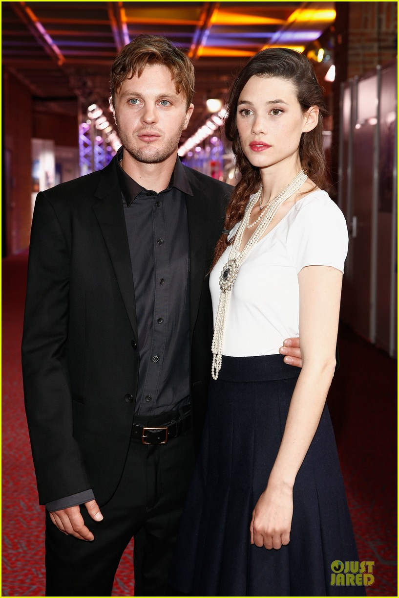 michael pitt astrid berges frisbey bring i origins to countries 08