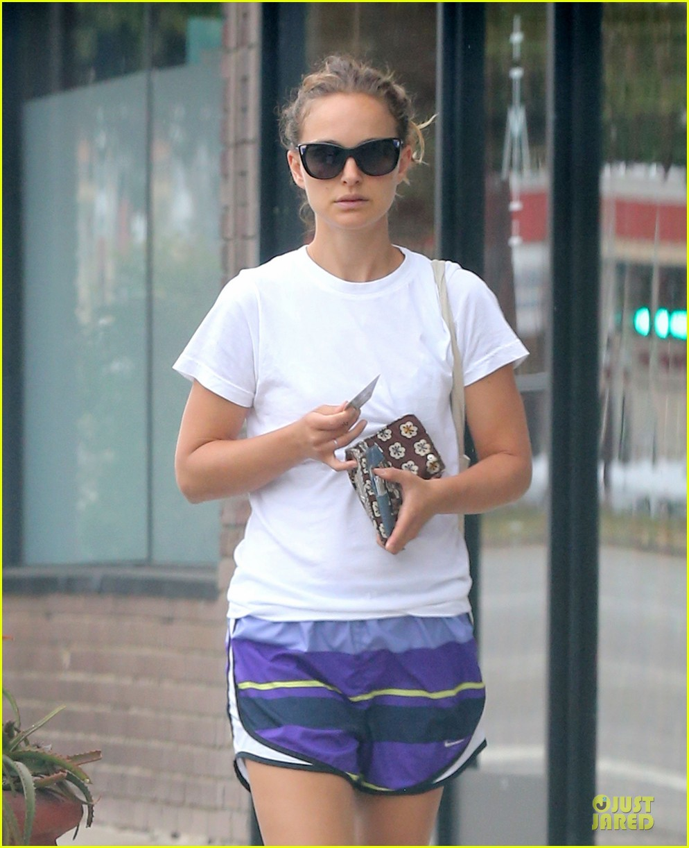 Natalie Portman Pre Natal Pilates Body | Male Models Picture - photo#31