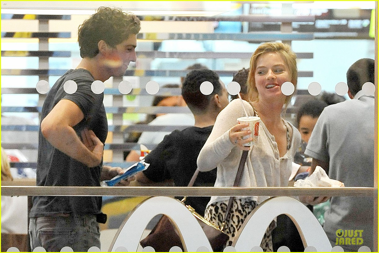 margot robbie enjoys movie mcdonalds in london 143151268