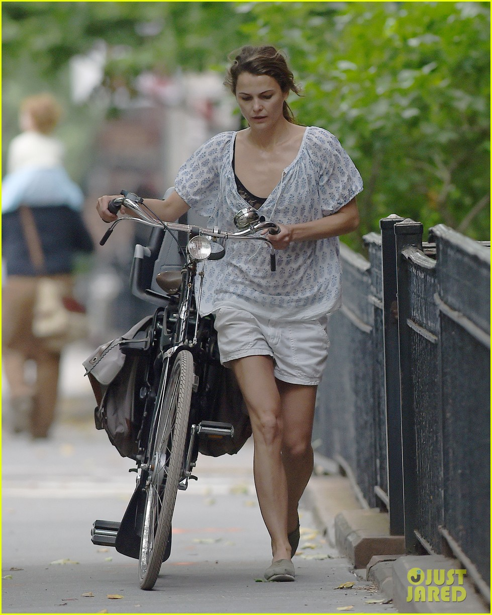 keri russell july fourth solo bike ride 043150243