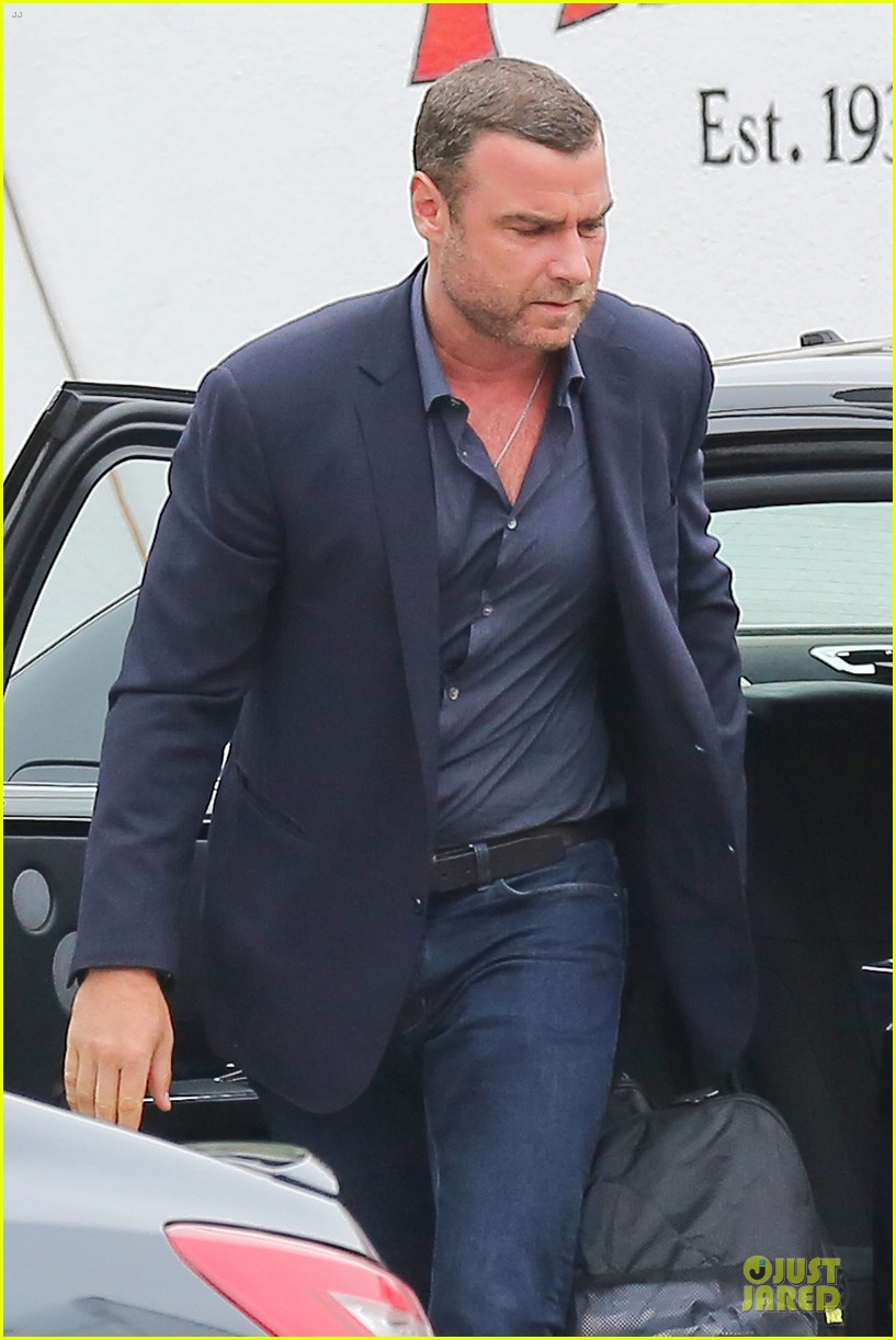 liev schreiber always looks suave for ray donovan 063147925