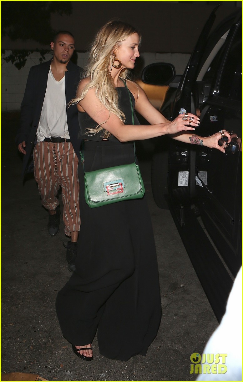 ashlee simpson evan ross are stylish duo for dba night out 05
