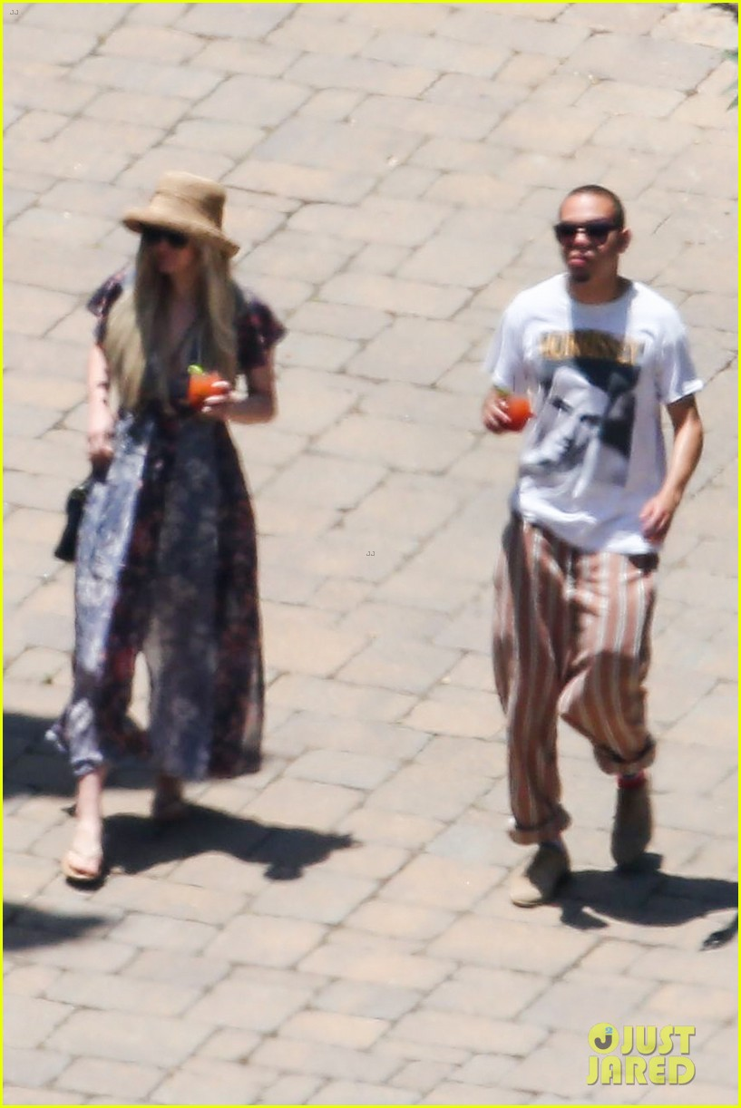 ashlee simpson hits the pool before jessicas wedding 103149712