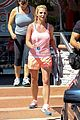 britney spears dines dashes but returns with amazing tip 01
