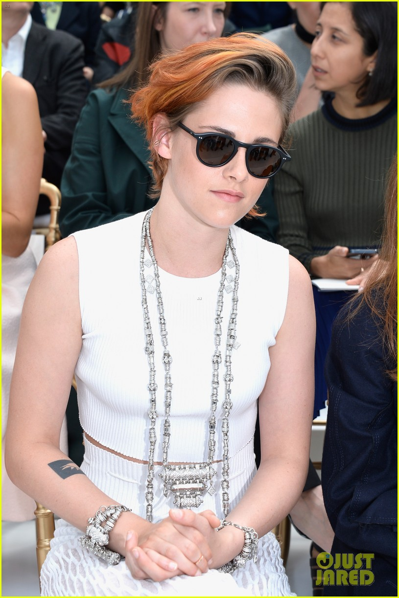 kristen stewart chops off her hair see the pics here 123151578