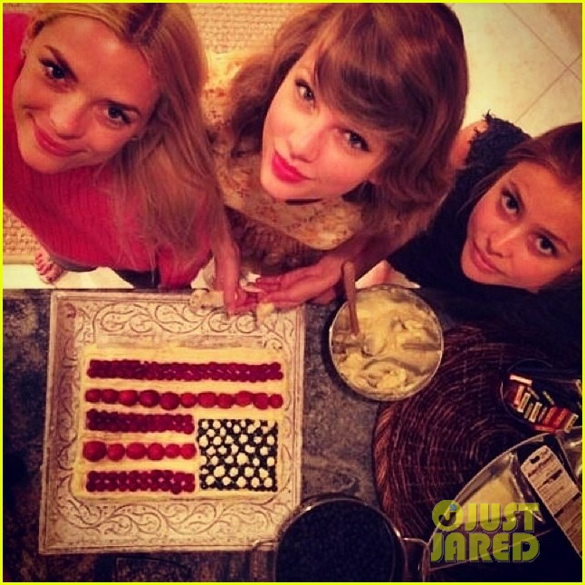 taylor swift fourth of july jaime king party 013149874
