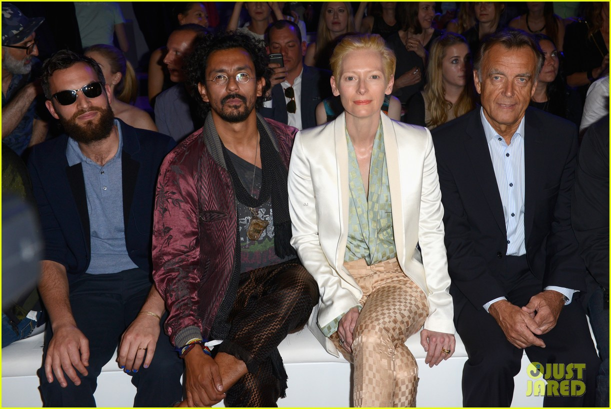 tilda swinton is a sophisticated lady at roshi porkar fashion show 10
