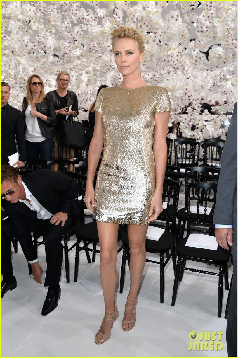 charlize theron sean penn christian dior fashion show 08
