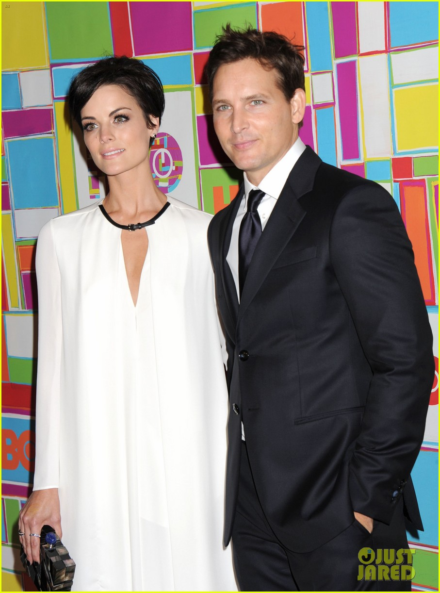 peter facinelli jaimie alexander keep it classy at hbos emmys 2014 05