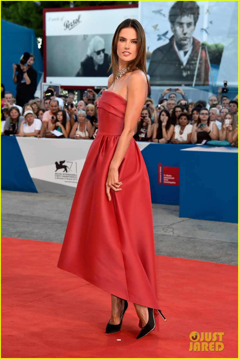 alessandra ambrosio stuns in red at la rancon de la gloire 013185941